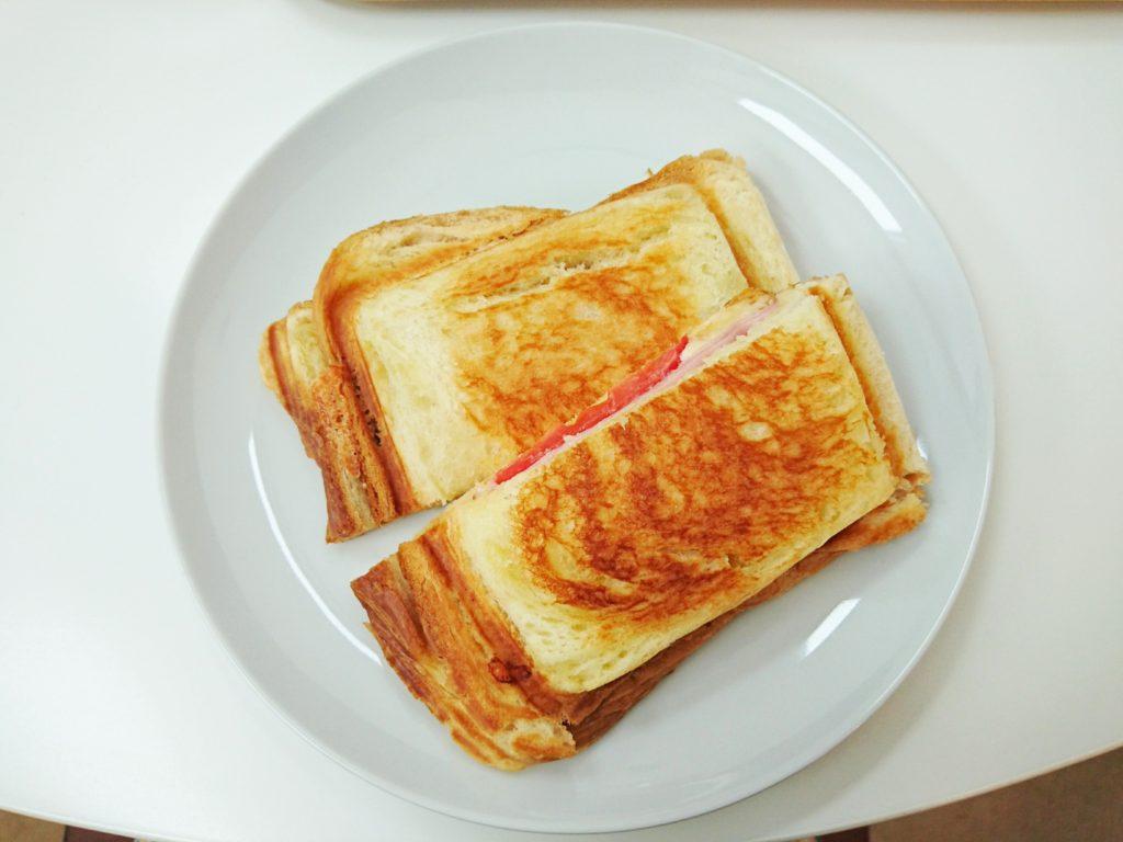 ボローニャのパンのホットサンド