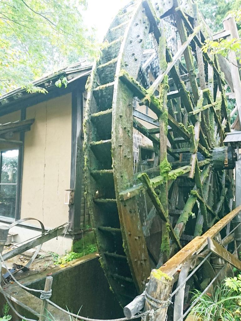 みずほの村市場・蕎舎の水車