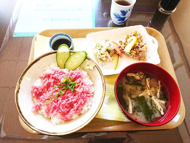 マグロ丼500円