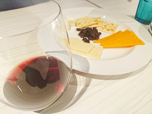 ワインにはチーズが合うよね